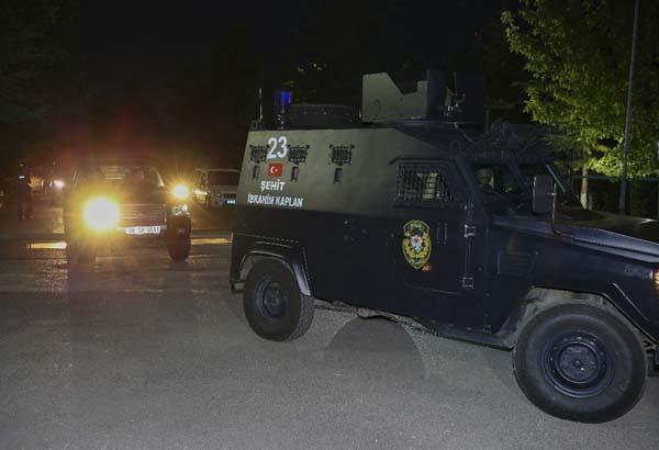 Ankara'da bin 500 polisle ''kalkan'' operasyonu
