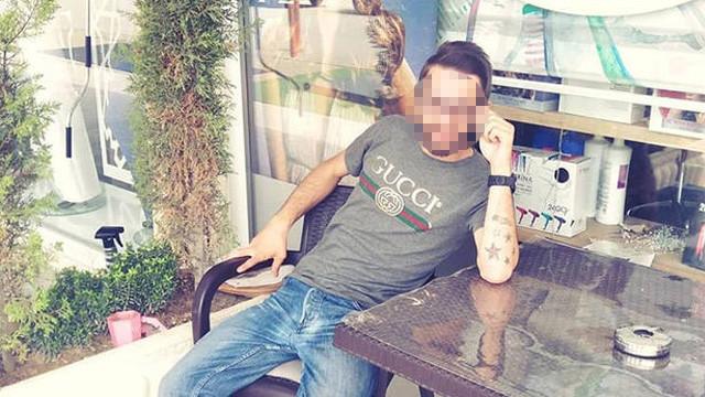 Balkondaki çamaşır ipine takılıp hayatını kaybetti