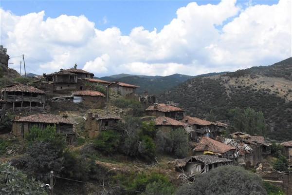 Türkiye'nin hayalet köyü: Sadece 5 kişi yaşıyor !