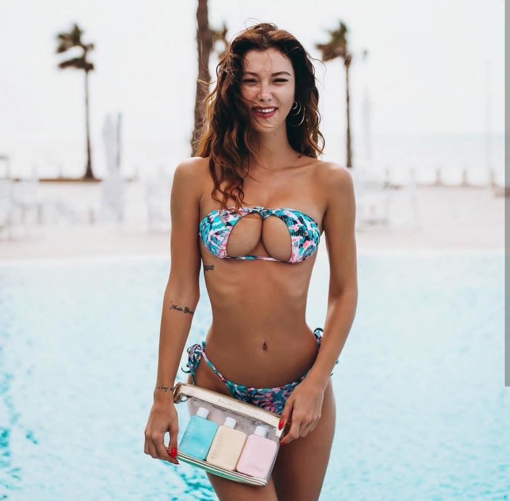 2018'in yeni trendi ''Upside Down'' bikiniler oldu
