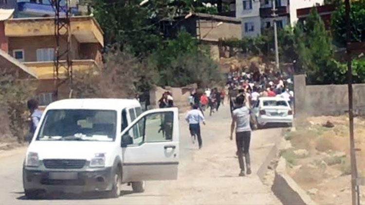 Kaçak elektrik kullanımını önlemeye çalışan ekibe saldırı