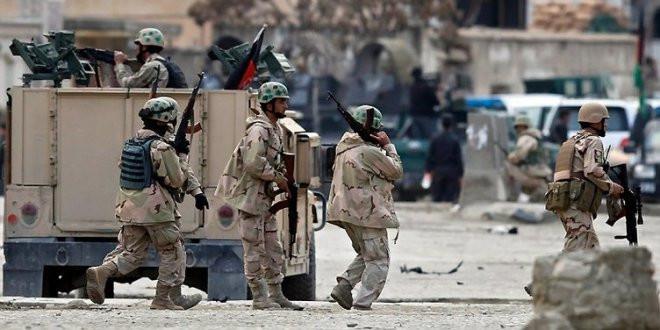 Askeri üsse kanlı saldırı: 38 ölü