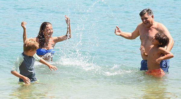 Yılmaz Vural ikinci eşiyle tatilde !