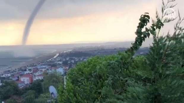 İstanbul'da hortum paniği, görenler neye uğradığını şaşırdı