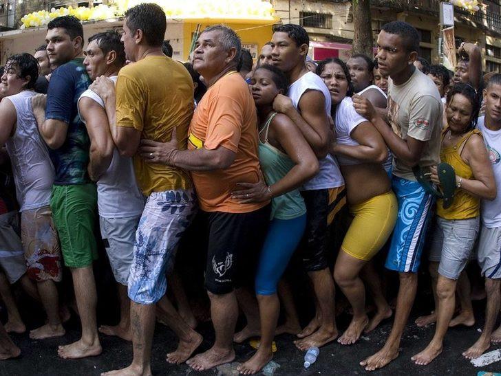 Brezilya'dan tuhaf görüntüler ! Görenler şaştı kaldı