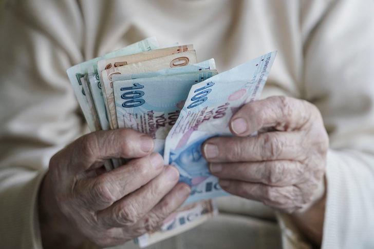 Emeklilikte yaşa takılanlar için yeni açıklama