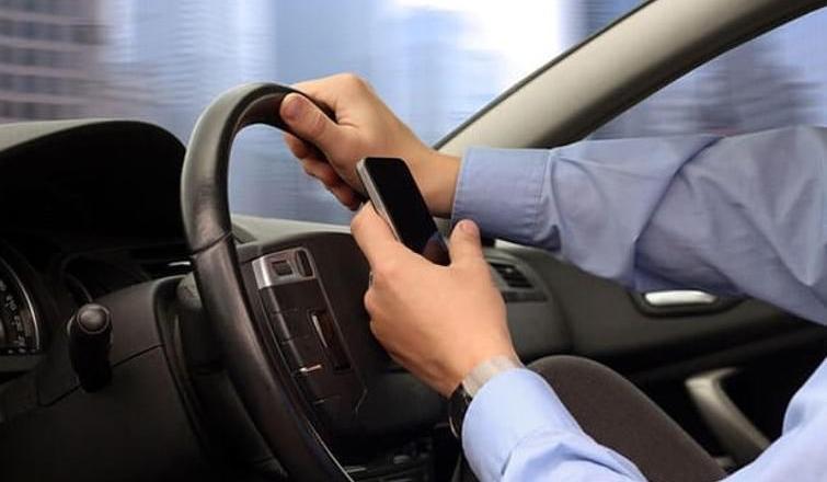 Aracında telefonla konuşurken Cumhurbaşkanı hakaretten ifade verdi