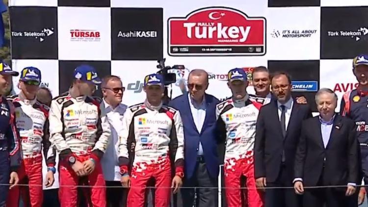 Şampiyon ralliciler ödüllerini Erdoğan'dan aldı !