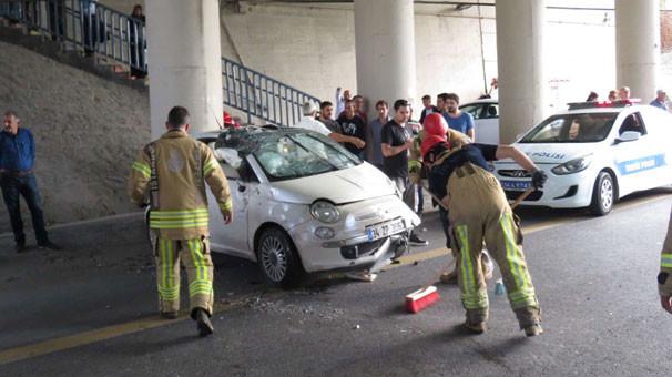 İstanbul'da araç takla attı; trafik birbirine girdi