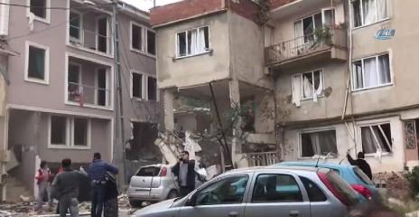 Bursa'da  doğalgaz patlaması ! Binalarda hasar var...