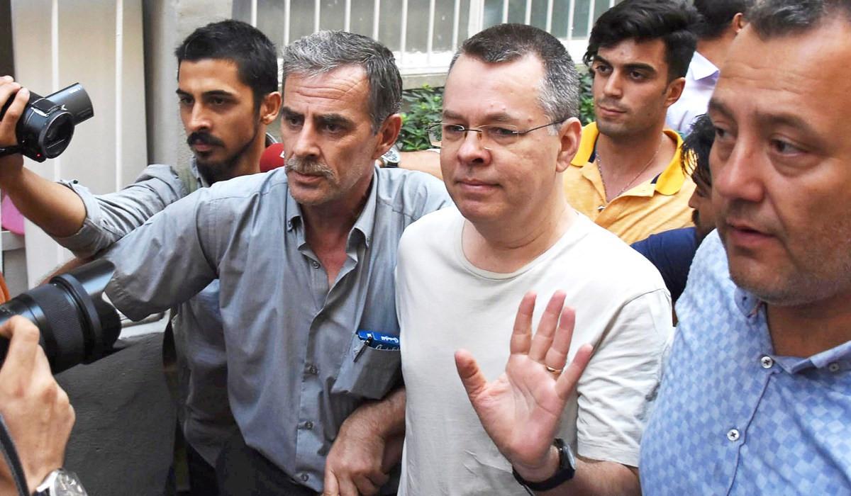 ABD'li papaz Brunson'un soruşturma savcısının yeri değiştirildi