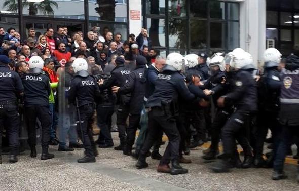 İzmir'de eylem yapmak isteyen işçilere müdahale
