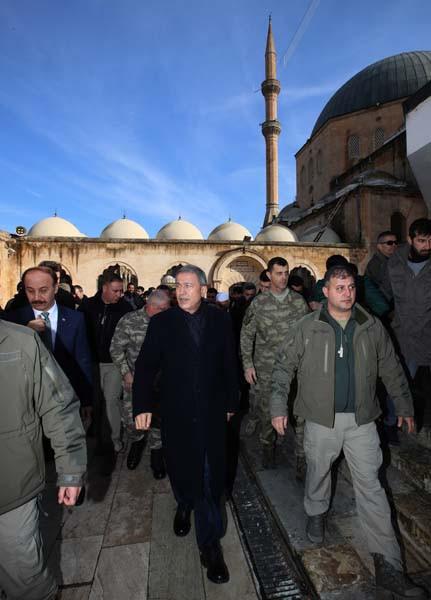 Savunma Bakanı Akar Şanlıurfa'da
