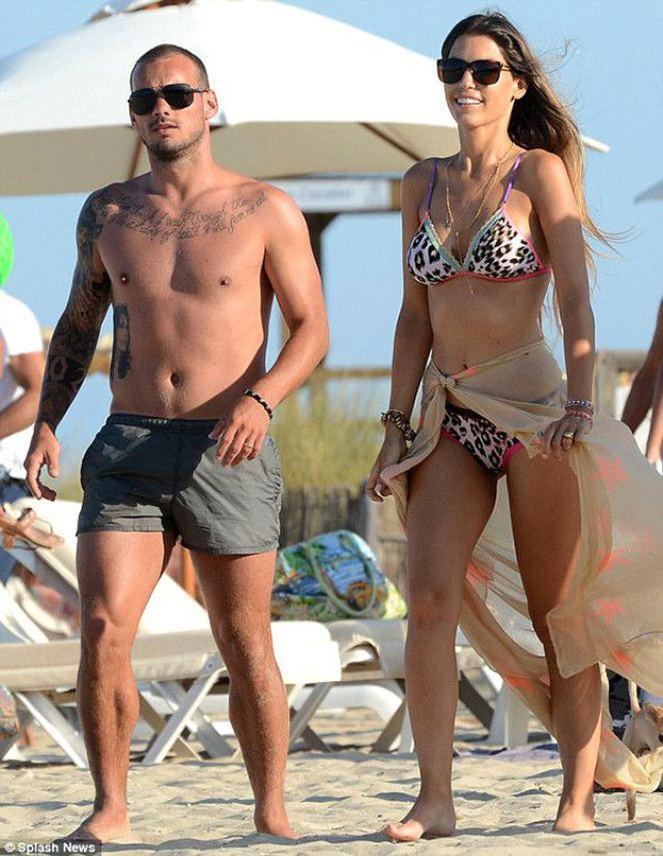 Sneijder'in eşi Yolanthe Cabau yürek hoplattı