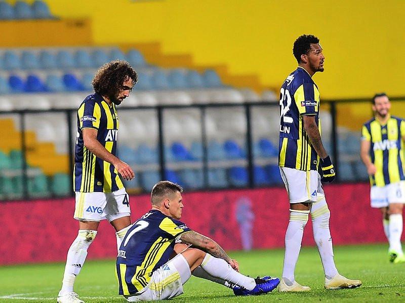 Fenerbahçe'de transfer bombaları patlamak üzere! 3 isim açıklanacak...