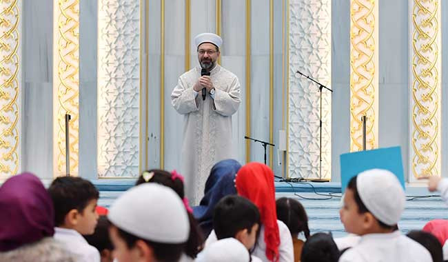 Diyanet'ten skandal ifade: ''Eğitim seviyesi arttıkça dinden uzaklaşılıyor'