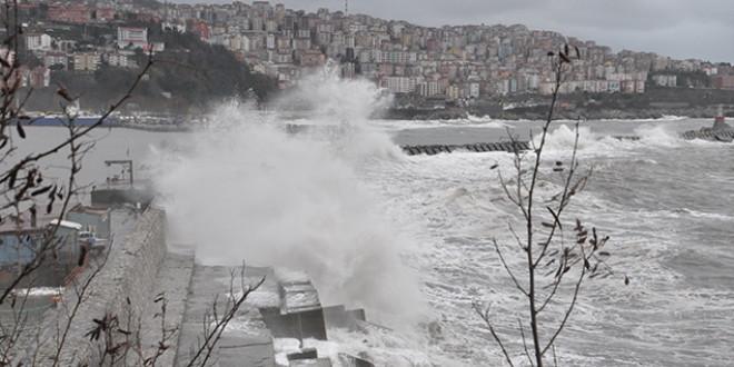 Meteoroloji'den kuvvetli fırtına ve hortum uyarısı