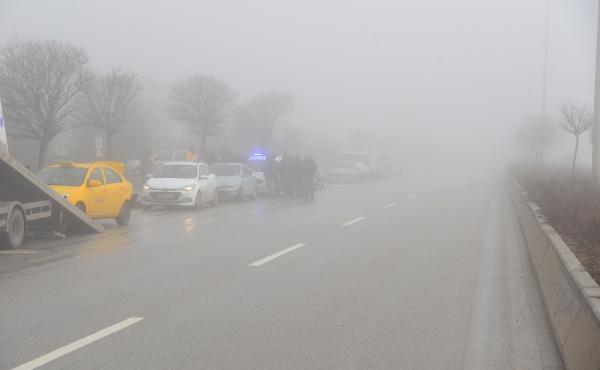 Başkent'te sis kazası ! 25 araç birbirine girdi