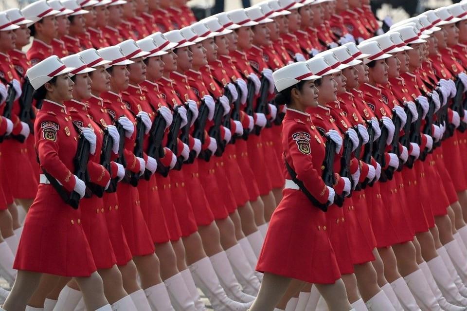 Çin'den dev gövde gösterisi