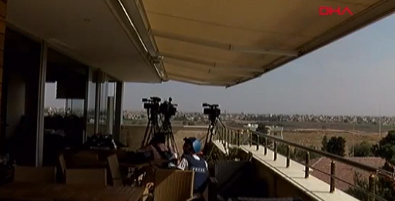 Teröristlerin Türk gazetecilere saldırdığı an kamerada!