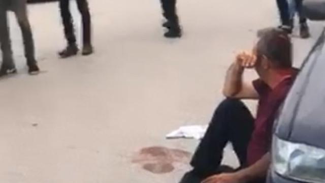 Genç kadına eski eşi satırla saldırdı; mahalleli linç ediyordu!