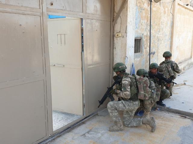 YPG'li teröristler DEAŞ'lıları serbest bıraktı ! İşte o hapishane