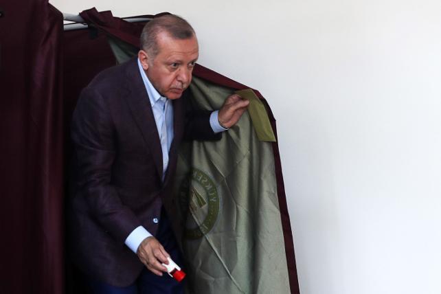 Erdoğan'a bağlılıkta şok düşüş ! Araştırmalarda dikkat çeken detay