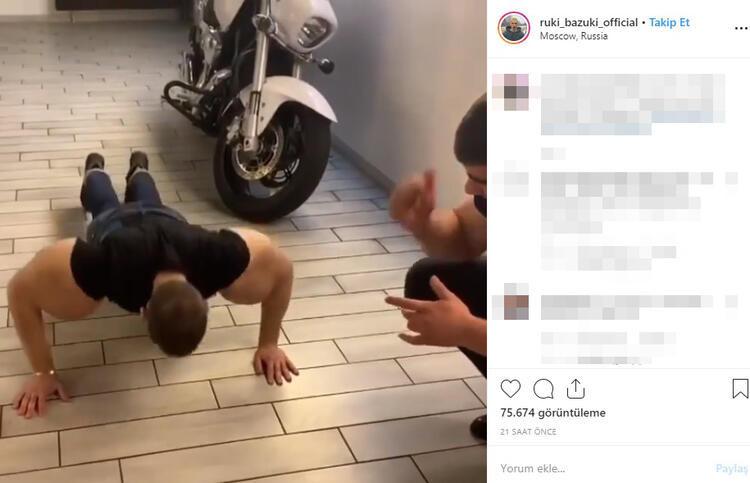 Kol kaslarıyla ünlenen Rus, sosyal medyayı sallıyor