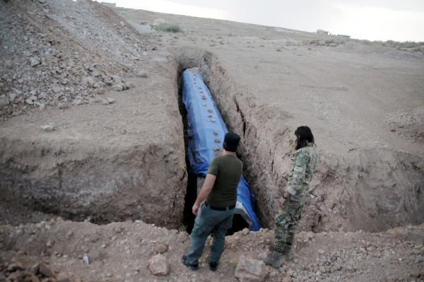 YPG'li teröristler Tel Abyad'ı köstebek yuvasına çevirmiş