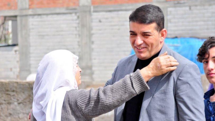 Bismil Belediye Başkanı Orhan Ayaz adli kontrolle serbest bırakıldı
