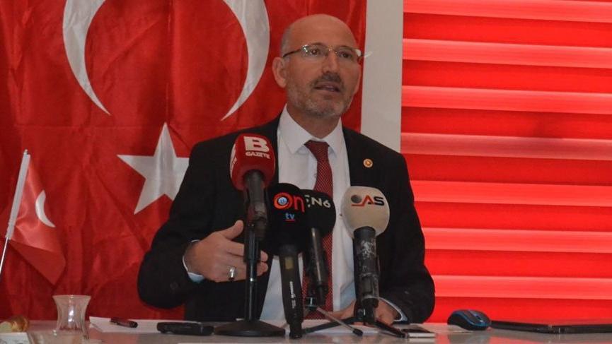 AK Parti'de Davutoğlu istifası daha! Zehir zemberek açıklamayla istifa etti