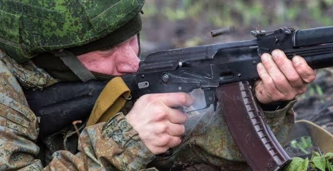 Rusya'da askeri üste saldırı! Sekiz asker öldü