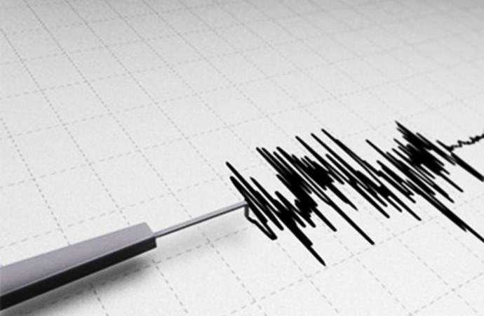İstanbul'un ardından İzmir'de de deprem paniği!