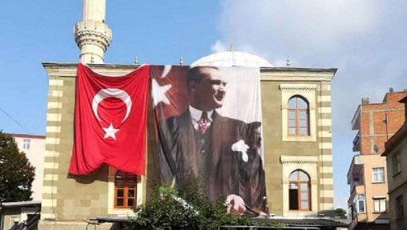 Cami deposundan Atatürk posteri ve Türk bayrağını çaldılar !