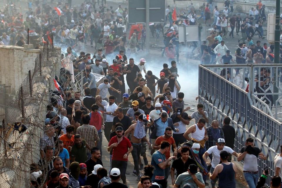 Irak'ta halk ayaklandı, sokaklar karıştı !