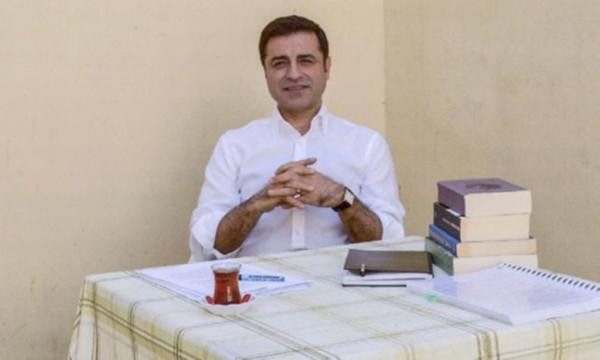 Selahattin Demirtaş cezaevinden açık açık tehdit etti