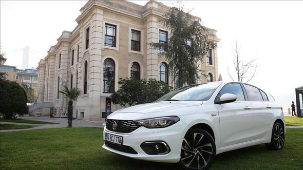 Renault ve Fiat zamlı otomobil fiyatlarını açıkladı