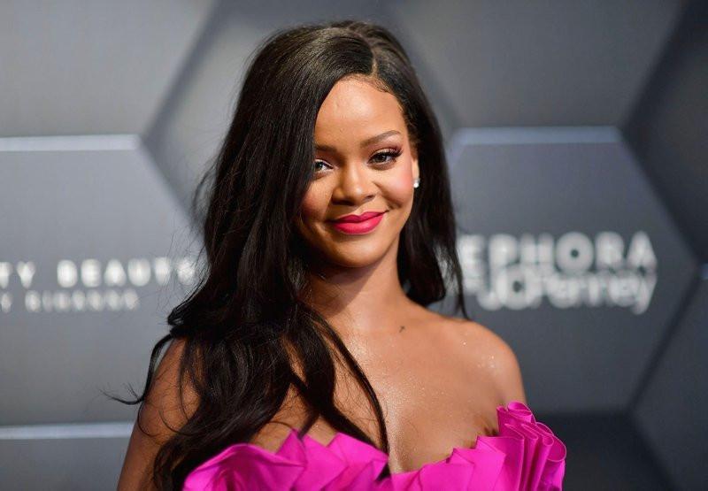 Rihanna'dan Türk kızına destek