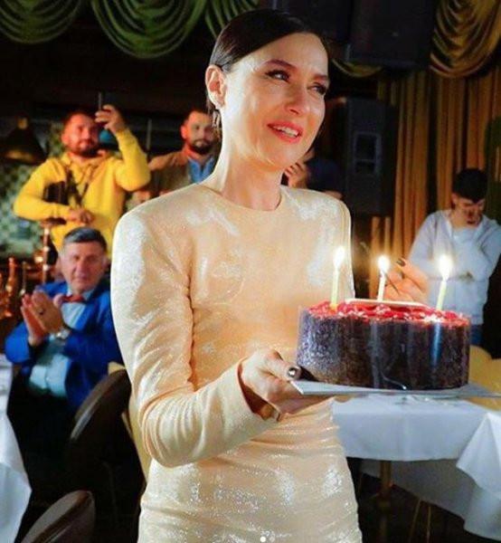 Şevval Sam'ın yeni yaş paylaşımına beğeni yağdı