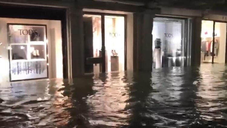 Venedik sular altında ! 2 kişi hayatını kaybetti