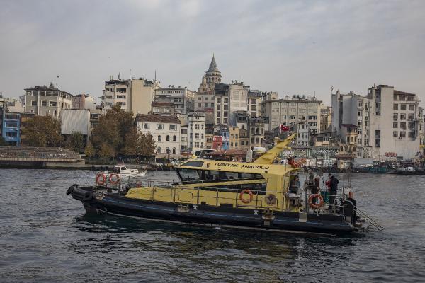 TÜBİTAK gemisi Haliç'te inceleme yaptı