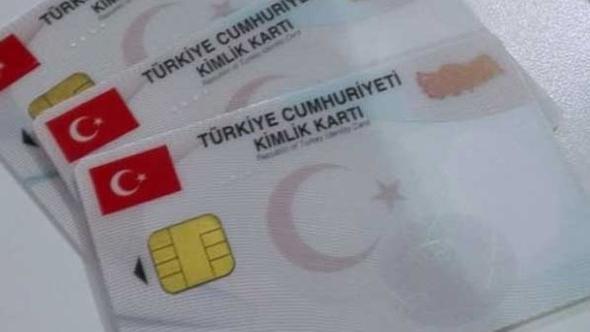 Yenilenen kimlik kartlarıyla ATM'lerden para çekilebilecek