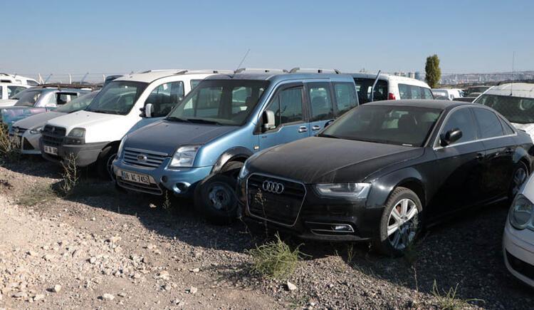 Yediemin otoparkına çekilen yüzlerce araç hurdaya döndü