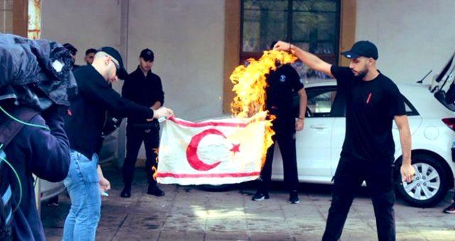 Türkiye'den Rumlara bayrak tepkisi