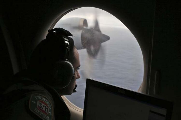 Kayıp Malezya uçağının yerini gösterdi !