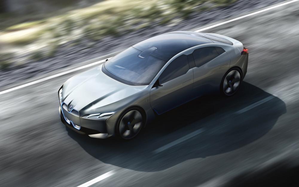 BMW i4, Tesla'ya rakip oluyor!