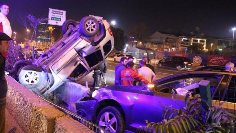 D-100'de zincirleme kaza: Trafik tıkanma noktasına geldi