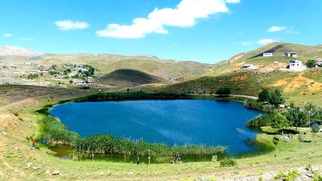 Dipsiz Göl'ün bulunduğu köyün muhtarı: İzinli olmasa köylü bırakmazdı