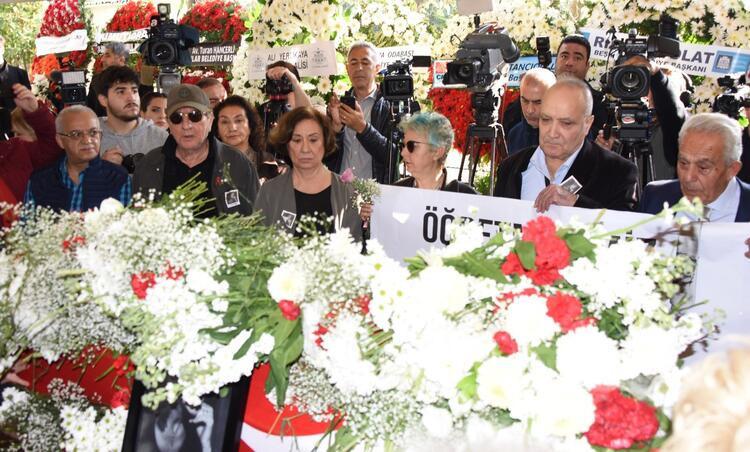 Yıldız Kenter'in cenazesinde gergin anlar
