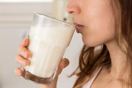 Şoke eden araştırma: Süt tüketimi kansere mi yol açıyor ?